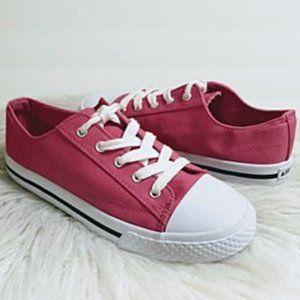 Airwalk Girl's Canvas Sneakers Size 2.5